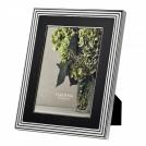 """Фоторамка Вера Ванг """"С любовью,"""" 20х25 см, черная эмаль+посеребрение Wedgwood, металл, стекло, картон"""